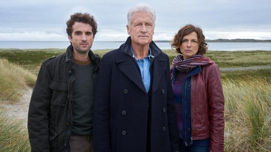 Das Nord Nord Mord-Team, Hinnerk Feldmann (Oliver Wnuk), Theo Clüver (Robert Atzorn, M.) und Ina Behrendsen (Julia Brendler) bald mit neuem Anführer.