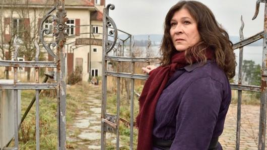 In ihrem letzten Tatort-Fall Wofür es sich zu leben lohnt findet Eva Mattes ausnahmsweise in einer Gärtnerei