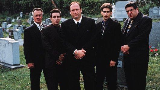 Mafiosis unter sich - gespielt von: Tony Sirico, Steve Van Zandt, James Gandolfini, Michael Imperioli und Vincent Pastore (v.l.).