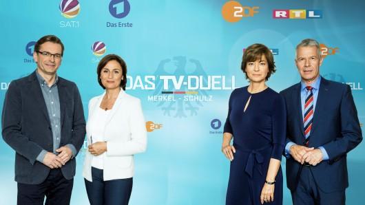 Claus Strunz (ProSieben/SAT.1), Sandra Maischberger (ARD) sowie Maybrit Illner (ZDF) und Peter Kloeppel (RTL, v.l.) interviewen beim TV-Duell am 3. September Angela Merkel und Martin Schulz.