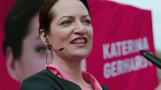 Claudia Michelsen als rechtskonservative Politikerin in der 2. Staffel der Netflix-Serie Berlin Station.
