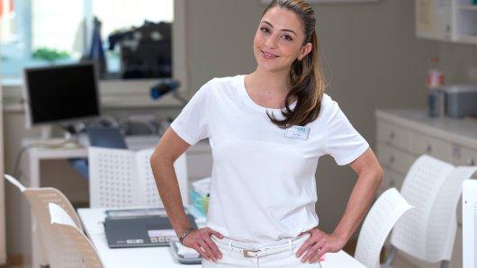 Seit 15 Jahren spielt Arzu Bazman die Rolle der Krankenschwester Arzu Ritter und ist in der Sachsenklinik von der Lernschwester zur Pflegedienstleitung aufgestiegen.
