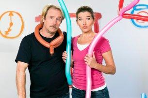 """Premiere in der """"Sendung mit dem Elefanten"""": Bjarne Mädel ist zu Gast inAnke Engelkes Sketchreihe."""