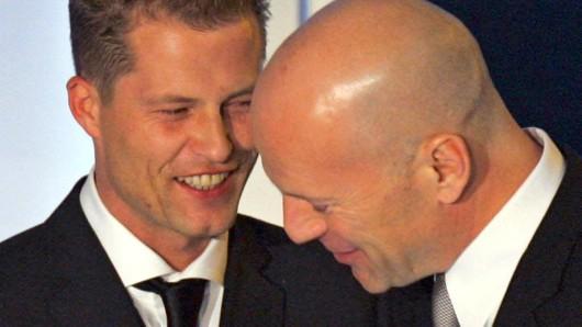 Til Schweiger (l.) und Bruce Willis stehen für den Actionfilm Run of the Hitman gemeinsam vor der Kamera.