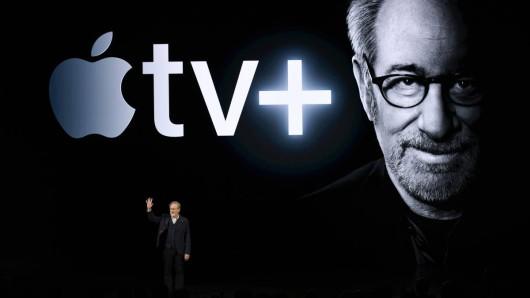 Apple TV+ hat sich prominentes Personal an Bord geholt: Steven Spielberg wird Serien für den neuen Streamingdienst produzieren.