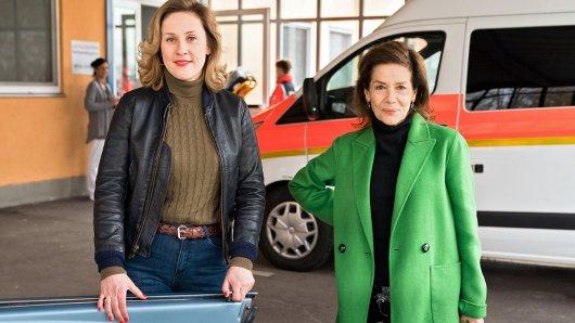 Schauspielerin Marlene Morreis (links) als Nina Just zusammen mit ihrer Filmmutter Rose Just, gespielt von Hannelore Elsner.