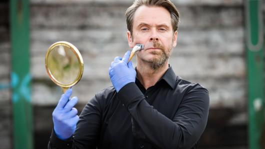Professor T (Matthias Matschke) bereitet sich für die 4. Staffel vor.