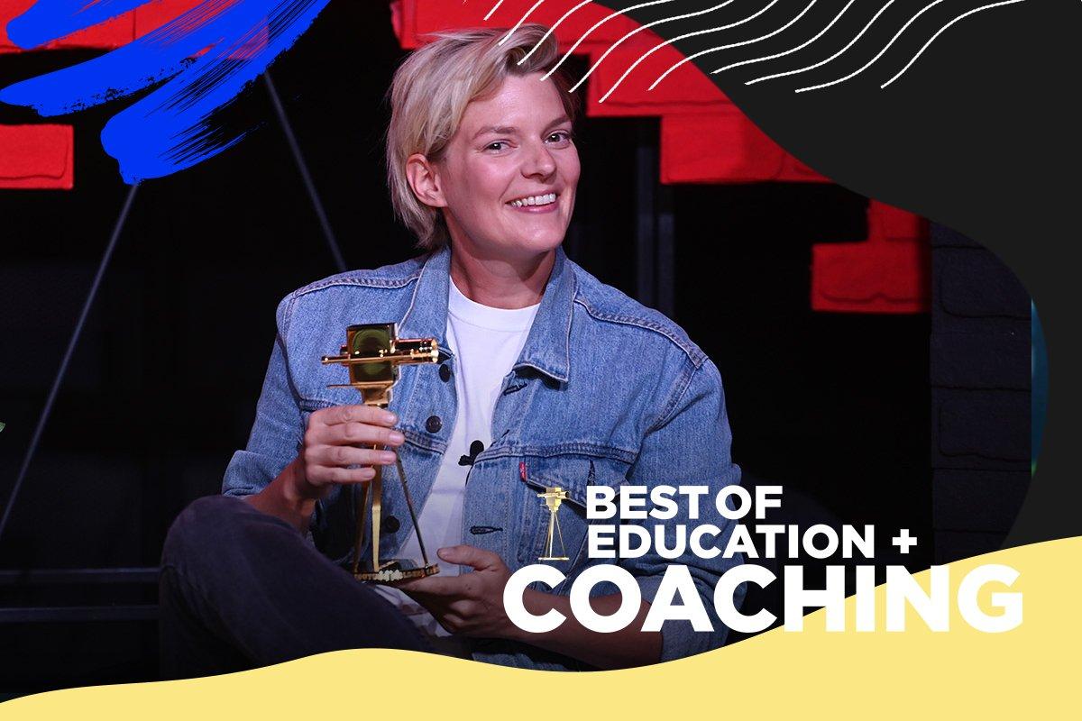 """Laura Kampf wurde mit der GOLDENEN KAMERA in der Kategorie """"Best of Education & Coaching"""" ausgezeichnet."""