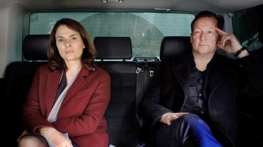 Constanze Hermann (Barbara Auer) und Hanns von Meuffels (Matthias Brandt)