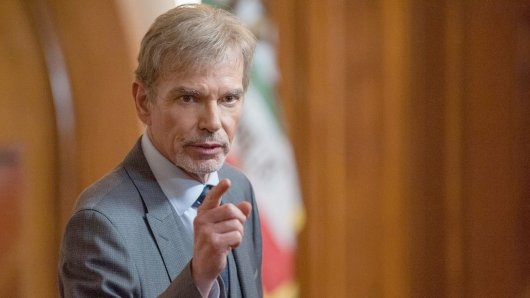 Billy Bob Thornton als Anwalt Billy McBride in der Amazon Originals Serie Goliath