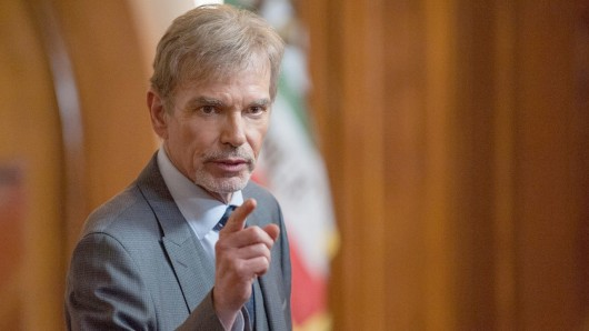 Billy Bob Thornton als abgehalfterter Anwalt Billy McBride in der Amazon Originals Serie Goliath.