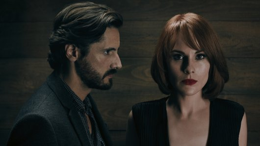 Good Behavior mit Juan Diego Botto und Michelle Dockery (ab 16. November auf TNT Serie) © TNT