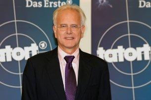 Ausgestiegen, bevor er richtig eingestiegen ist: Harald Schmidt spielt im neuen Schwarzwald-Tatort des SWR jetzt doch nicht den  Kriminaloberrat Gernot Schöllhammer. © SWR