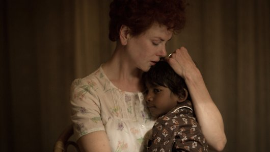 Oscar-würdig: Nicole Kidman als Sue Brierly mit Pflegekind Saroo (Sunny Pawar)