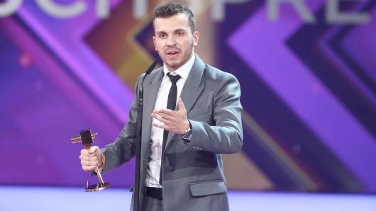 2016 wurde Edin Hasanovic mit dem GOLDENEN KAMERA Nachwuchspreis ausgezeichnet.