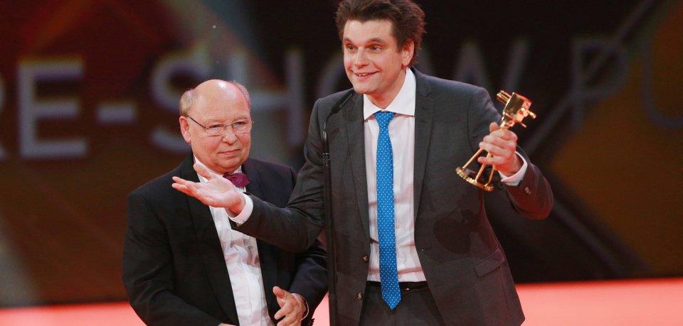 Comedians Hans-Joachim Heist (l) und Lutz van der Horst aus der ZDF-heute-show werden in der Kategorie Beliebteste Satire-Show ausgezeichnet.
