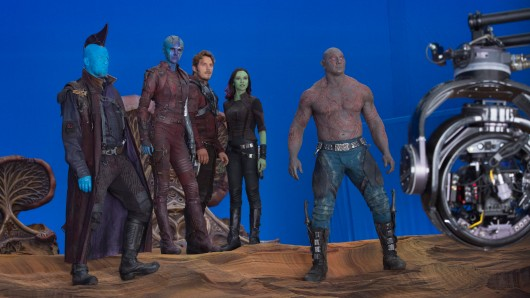 Aufstellung zum zweiten Guardians of the Galaxy-Gefecht (v.l.n.r.): Michael Rooker (Yondu), Karen Gillan (Nebula), Chris Pratt (Peter Quill alias Star-Lord), Zoe Saldana (Gamora) und Dave Bautista (Drax)