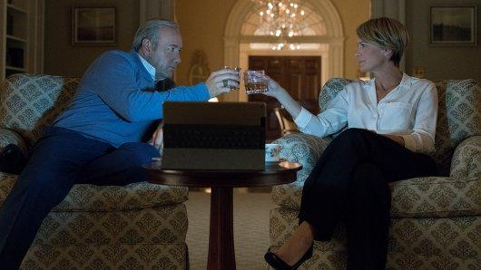 Wie geht es weiter mit Frank Underwood (Kevin Spacey) und seiner Gattin Claire (Robin Wright) in der 5. Staffel HoC?. Foto: David Giesbrecht/Netflix