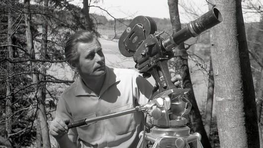 1948 - Heinz Sielmann, unterwegs in Niedersachsen für das Lied der Wildbahn. Foto: © NDR/NDR Naturfilm/Doclights GmbH