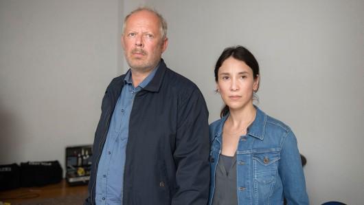 Die Kommissare Klaus Borowski (Axel Milberg) und Sarah Brandt (Sibel Kekilli). Foto: © NDR/Christine Schroeder