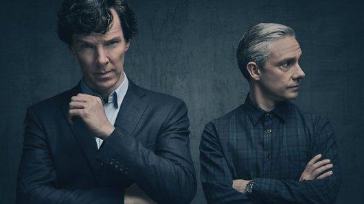 Sherlock Holmes (Benedict Cumberbatch, l.) und John Watson (Martin Freeman) in der Serie Sherlock.