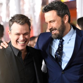 Haben auch als Produzenten gut lachen: die Hollywood-Superstars Matt Damon (l.) und Ben Affleck