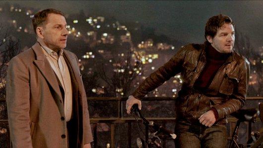 Thorsten Lannert (Richy Müller) und Sebastian Bootz (Felix Klare) ermitteln diesmal in einem Stau auf der Stuttgarter Weinsteige, hoch über der Stadt.
