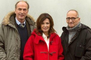 "Herbert Knaup und Iris Berben mit Regisseur Dominik Graf (v.l.) drehen ""Hanne"". Foto: NDR/Volker Roloff"