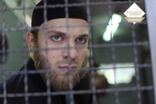 Jan (Edin Hasanovic) wird in ein Ausbildungslager des IS gebracht. Foto: SWR/Züli Aladag