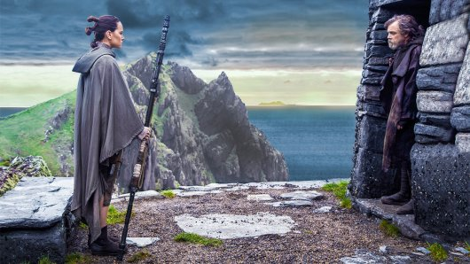 Rey (Daisy Ridley) und Luke Skywalker (Mark Hamill)