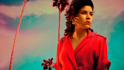 Emily Rios spielt Lucia Villanueva. Foto: Matthias Clamer/FX