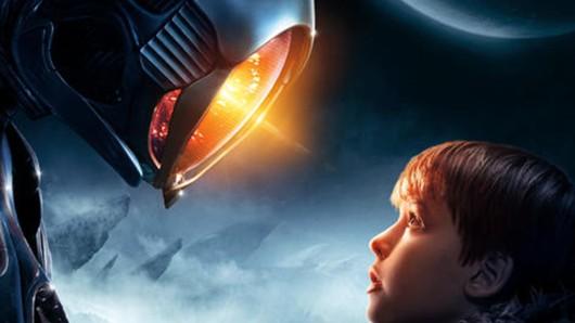 Szene aus Lost in Space mit dem Schauspieler Max Jenkins.