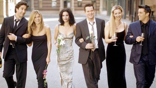 Vor 25 Jahren wurde Jennifer Aniston (2. v. l.) über Nacht mit der Serie Friends weltbekannt.