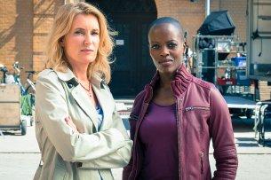 """Florence Kasumba (r.) wird an der Seite von Maria Furtwängler (l.) im nächsten Charlotte-Lindholm-""""Tatort"""" ermitteln."""