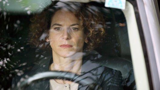 Bibiana Beglau in Sieben Stunden (2018).