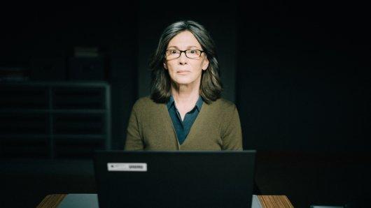 Die Protokollantin Freya Becker (Iris Berben).