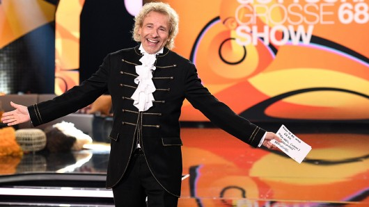 Thomas Gottschalk präsentiert Gottschalks große 68er-Show.