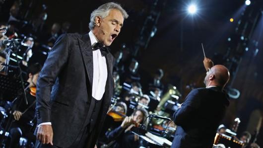 Andrea Bocelli (60).