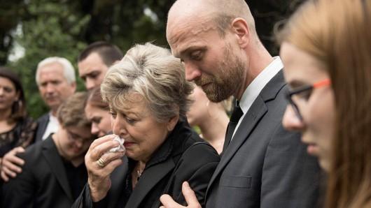 Nicht nur Mutter Beimer (Marie-Luise Marjan) dürfte traurig sein, dass die Lindenstraße 2020 eingestellt wird.