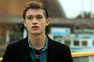 """Damian Hardung (hier in """"Das schönste Mädchen der Welt"""") spielt eine der Hauptrollen in der neuen Netflix-Comedy.-Serie """"Don't Try This at Home"""""""