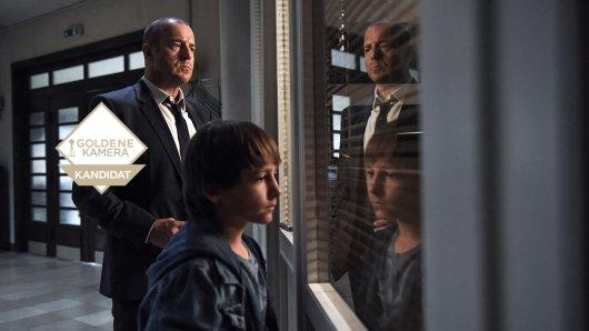Was sieht Tom (Timo Hack v.), dessen Familie verschwunden ist, was alle anderen nicht sehen, fragt sich Kessler (Heino Ferch).