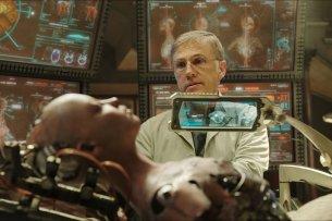"""Christoph Waltz als Cyborg-Ingenieur Dr. Dyson Ido in der Sci-Fi-Zukunftsvision """"Alita: Battle Angel"""""""