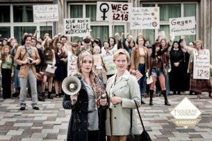 Charlotte (Alwara Höfels) und Erika Gerlach (Anna Schudt) kämpfen 1971 in Köln für mehr  Frauenrechte.