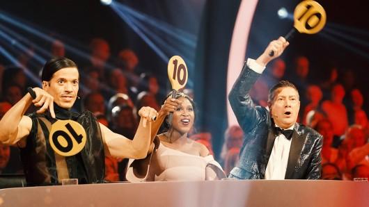 Die Juroren Jorge Gonzalez (l.), Motsi Mabuse und Joachim Llambi vergeben auch 2020 wieder die Punkte.