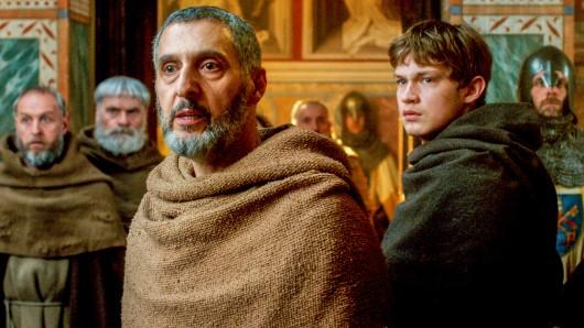 Der Name der Rose: Der Mönch William von Baskerville (John Turturro) und sein Gehilfe Adson von Melk (Damian Hardung) müssen eine geheimnisvolle Mordserie in einem abgelegenen Kloster aufklären. Ab 24. Mai 2019, 20:15 Uhr auf Sky 1.