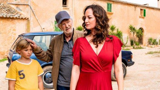 Kurt Lehmann (Michael Gwisdek) will mit seiner Geliebten Carla (Natalia Wörner) ein neues Leben beginnen.