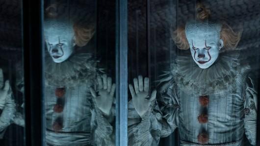 Wiederkehr des Horrorclowns: Pennywise (Bill Skarsgård) sinnt nach Rache an den Freunden.