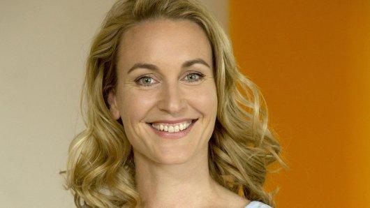 Christina Athenstädt (40) spielt seit 2017 die Hauptrolle der Gynäkologin Tanja Ewald in der Fernsehserie Familie Dr. Kleist.