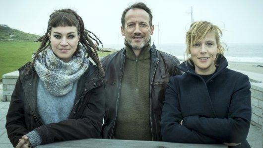 Drehstart für NDR Tatort: Tödliche Flut. Franziska Hartmann (Imke Leopold), Wotan Wilke Möhring (Thorsten Falke), Franziska Weisz (Julia Grosz).