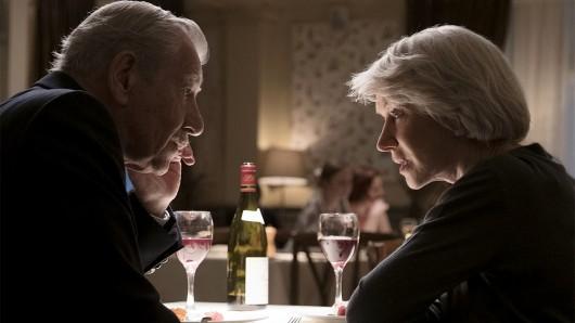 Roy Courtnay (Ian McKellen) Betty McLeish (Helen Mirren) kommen sich näher.